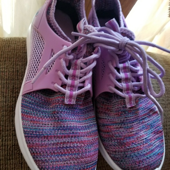 target Shoes   Girls Size 4 Tennis From